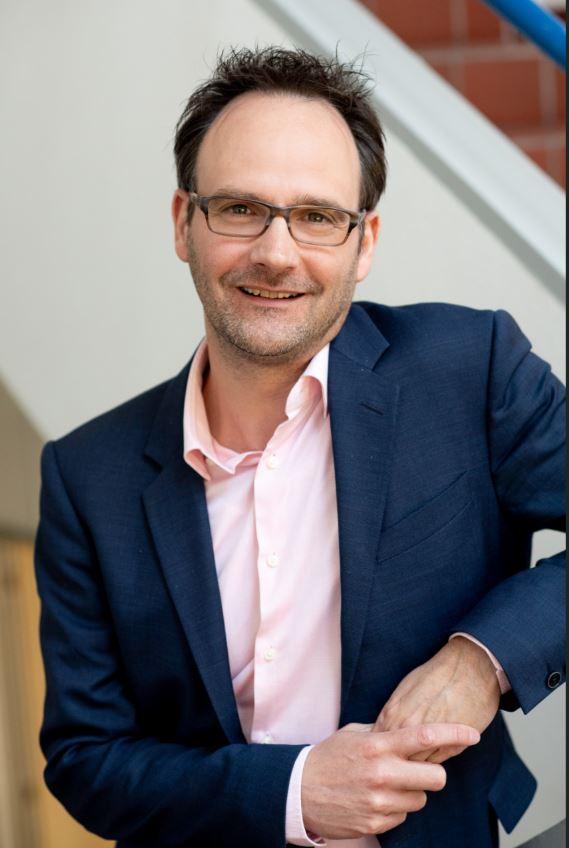 Dr. Bernhard Holle